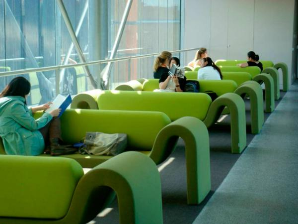 Accueil d tente mobilier bureau for Mobilier espace detente