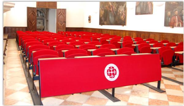 Salles de formation conception d 39 espaces de travail et for Fourniture de bureau grenoble